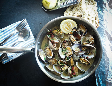 cooked shells on cook pot