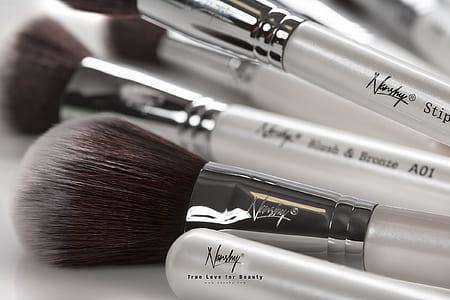 Norshy makeup brush on white surface