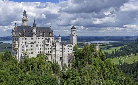 Neuwachstein Castle
