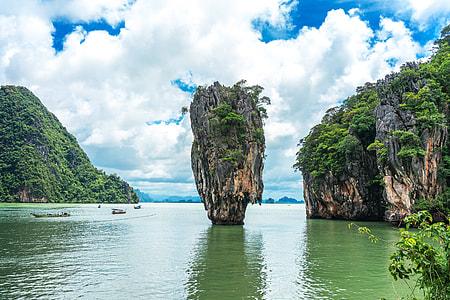 Dramatic rocks and cliffs on the coast of tropical Thailand