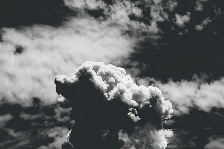grayscale photo of cloudy sky