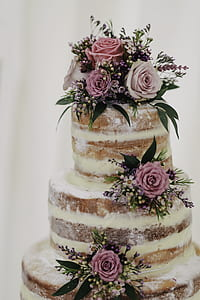 3-tier cake with pink roses accent