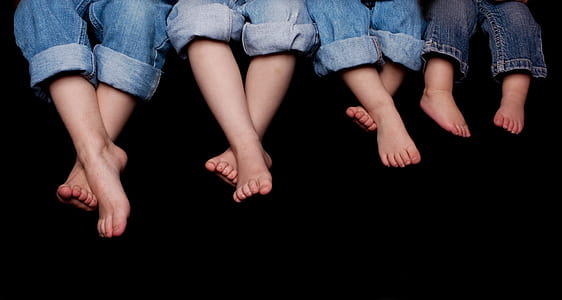 four children feet