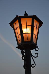 Black Metal Frame Lamp Post