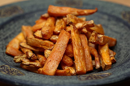 sliced of sweet potato fries