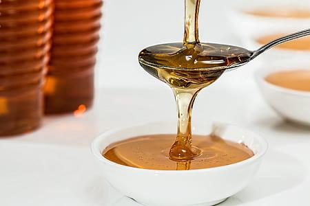 honey filled white saucer