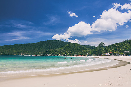 Coastal shot of the tropical beach in Ko Phangan, Thailand