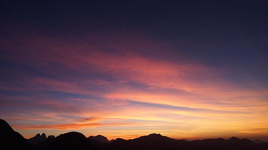 Pôr do sol no Chapéu