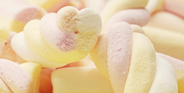 close-up photo of twisted marshmallows