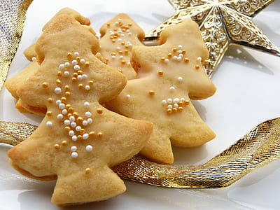 tree shaped cookies on white plate