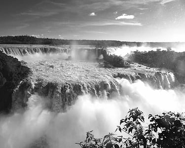 grayscale photography of Victorian Falls