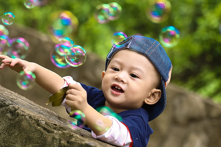 Royalty Free Photo Boy Playing With Bubbles Pickpik