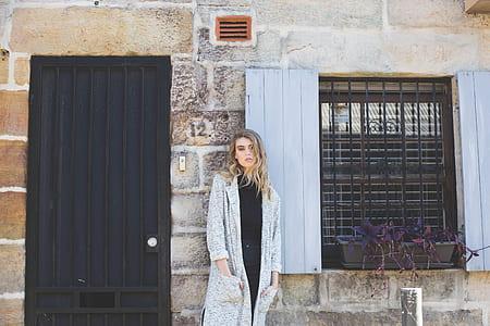 women's gray long-sleeved top