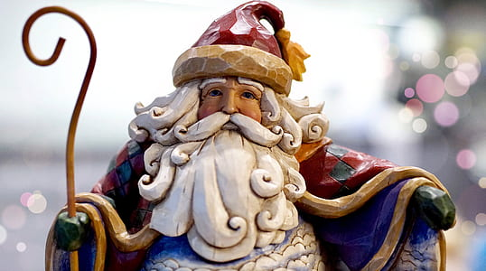 Santa Claus wooden carving decor