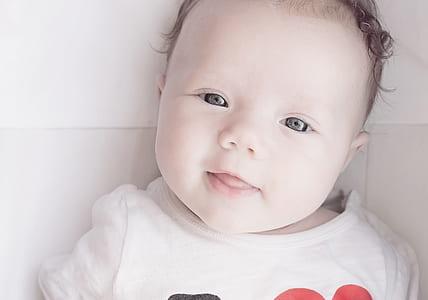 baby's white top