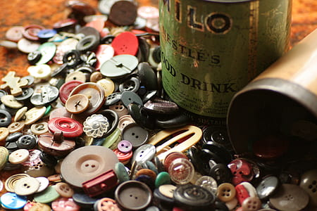 assorted-color-and-size button lot