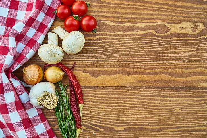 garlic, onion, and tomatoes