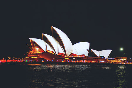 Night shot of the famous Sydney Opera House in Australia