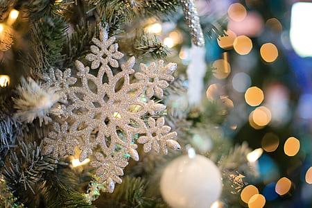 close-up photography of snow flake ornament