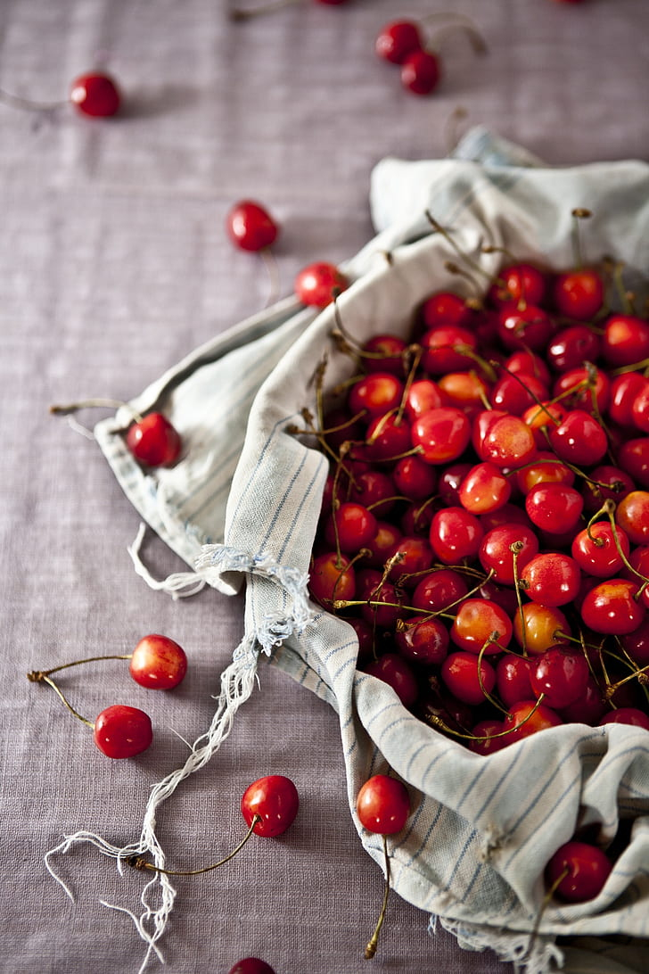 cherry fruit lot