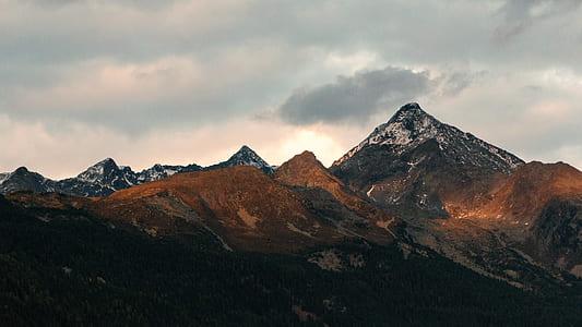 White and Black Mountain