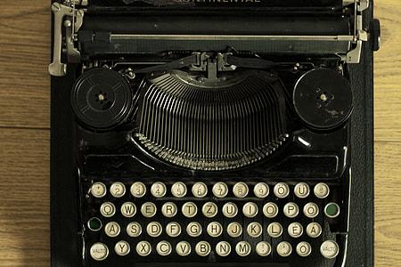 black and white typewriter