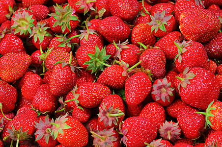 bunch of strawberries