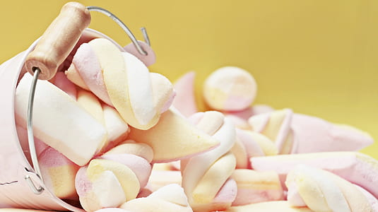 selective focus photography of marshmallows