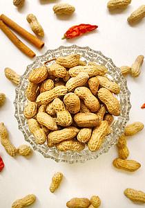 dried salted peanuts
